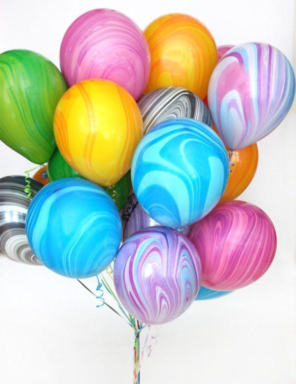 Латексные шарики с разводами