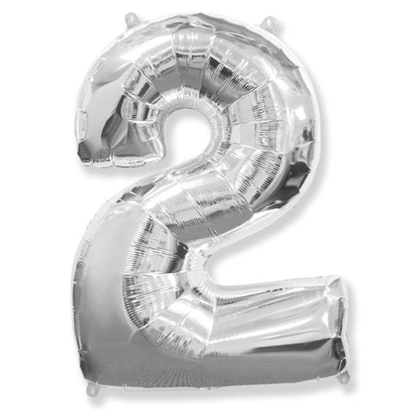Фольгированный шар в форме серебреной цифры два. Размер 1 метр.