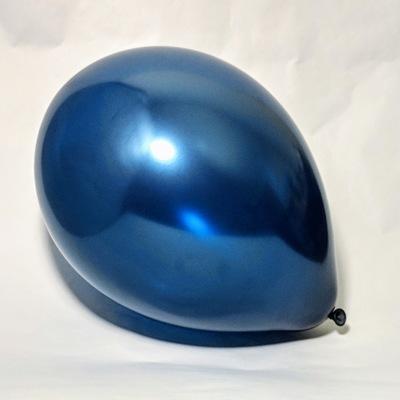 Латексный шарик побольше металик темно-синий.