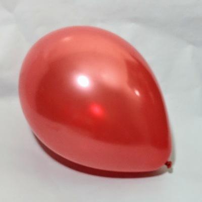 Латексный шарик побольше металик рубин.