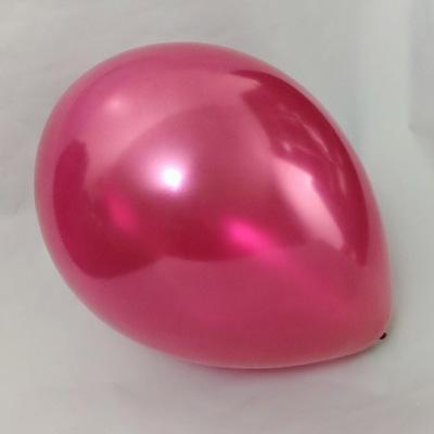 Латексный шарик побольше металик маджента.