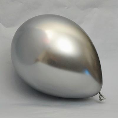 Латексный шарик побольше хром серебро.