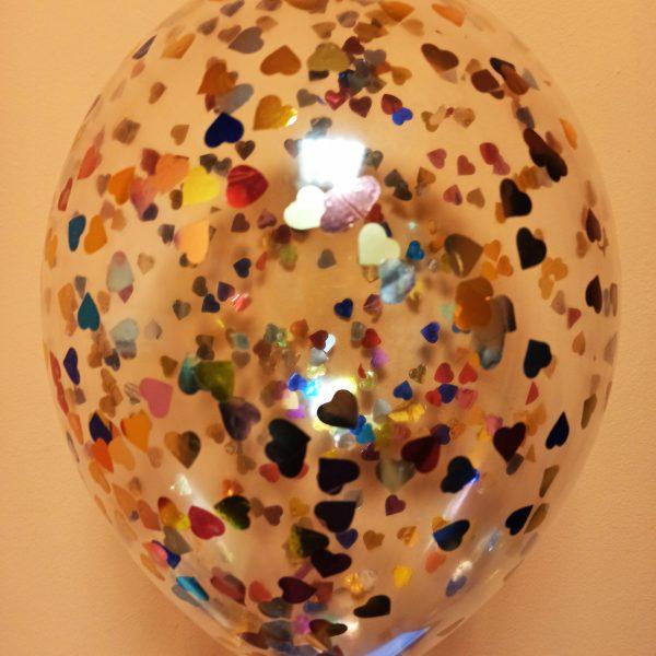 Прозрачный шарик с цветными сердечками (20.38)