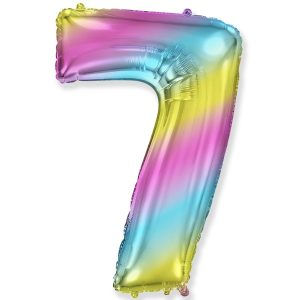 Большой фольгированный шар в форме цифры семь с радужным градиентом.