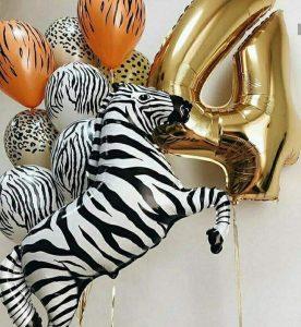 Букет с зеброй из воздушных шаров.
