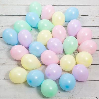 Воздушные шарики с воздухом (не летают) на пол 25