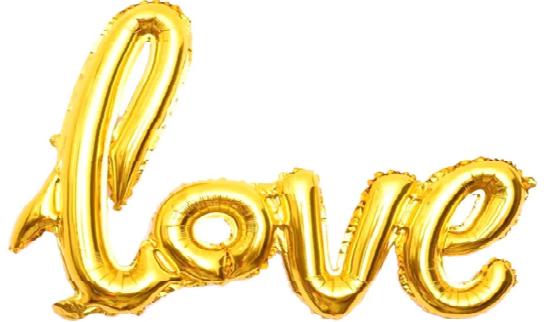 Фольгированный шар золотого цвета в форме букв, составляющих надпись Love.