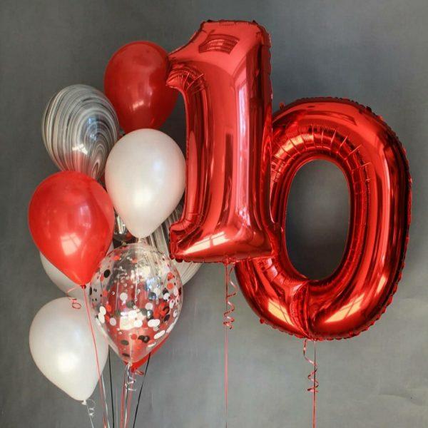 Букет (0.233) Букет из воздушных шаров состоит из 12 шариков.